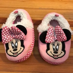 🟢🟢Minnie Mouse Slippers🟢🟢